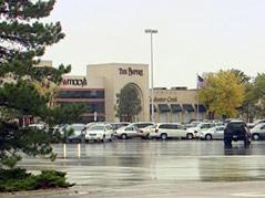 fake carjacking at empire mall