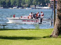 rescue crews search for Okoboji boater missing/