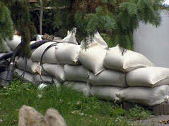 shindler flooding tim griffith home one month later sandbags