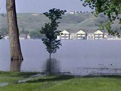 pierre missouri river flooding water sandbags #060611