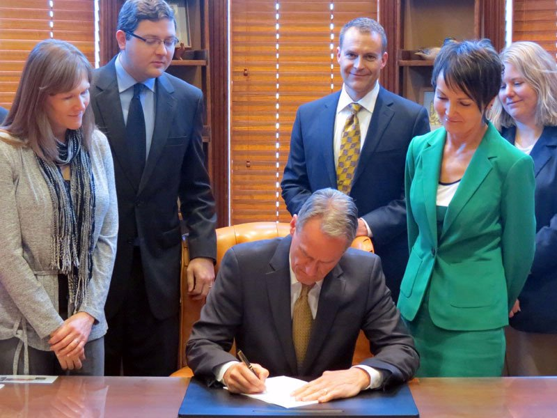 governor dennis daugaard signs HB 1234