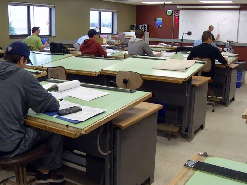 Technical schools STI southeast technical institute classroom students