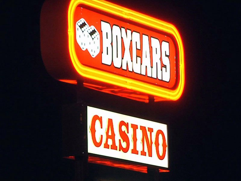 robbery boxcar casino two men arrested  21-year old Manuel Torres and 23-year old Dustin Hockett