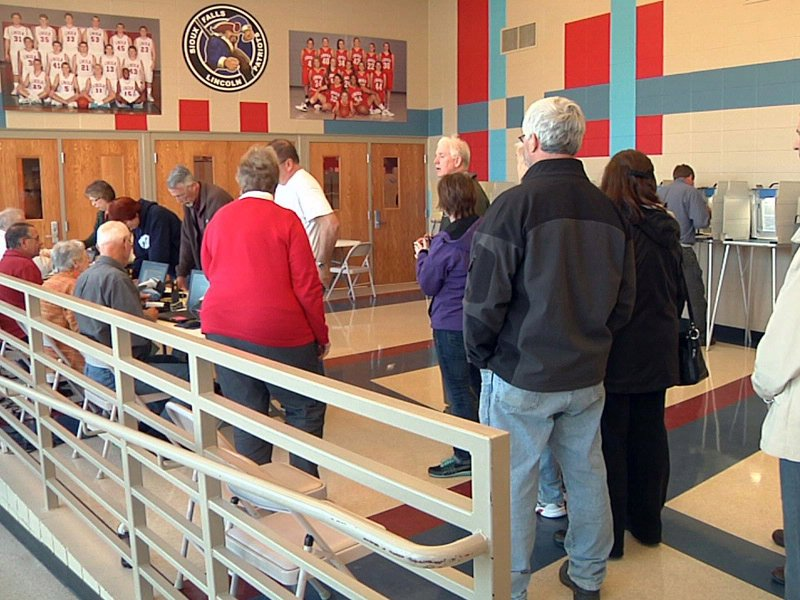 lincoln high school vote center long lines