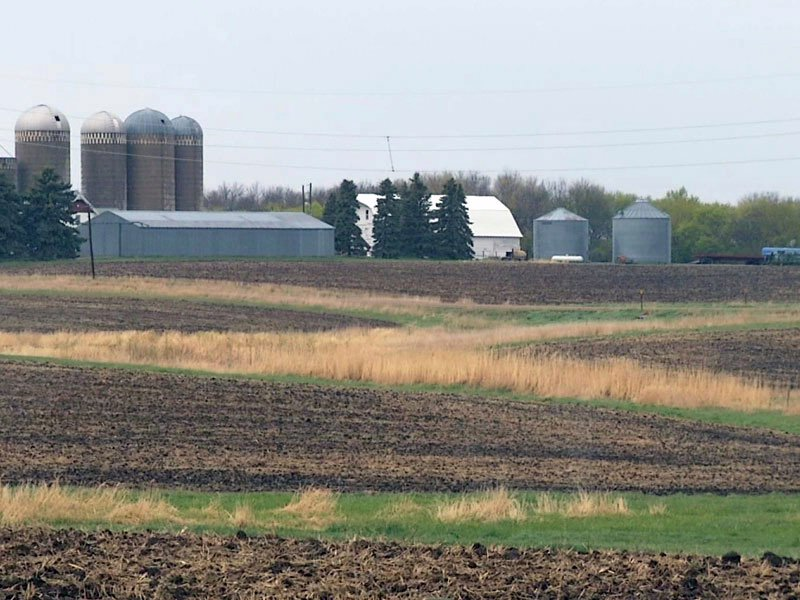 drought dry land fields farming