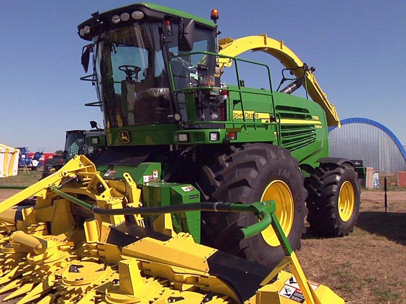 dakotafest in mitchell agriculture combine farm equipment tractor
