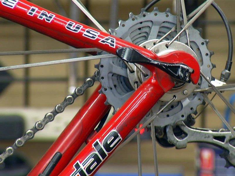 bike spoke and tire