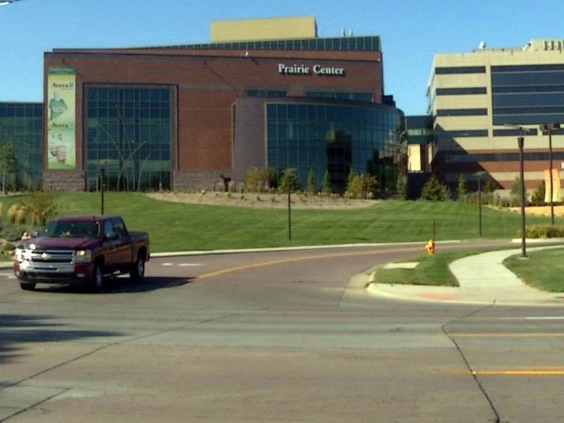 PRAIRIE CENTER window washer killed fell from roof