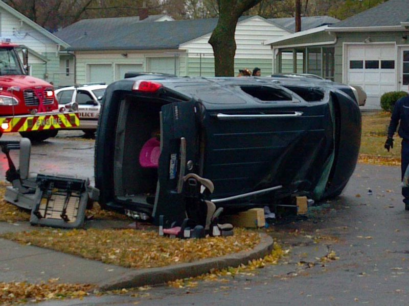 20th street and walts avenue sioux falls crash car vs. minivan