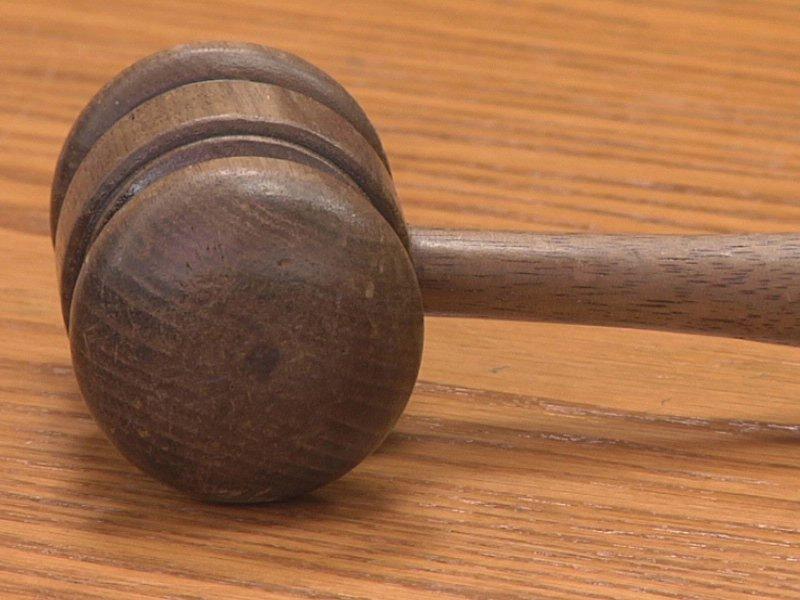 courtroom judge decision gavel verdict