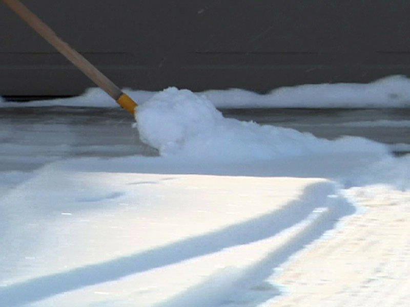 snow shovel driveway december 28, 2012