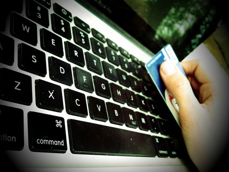 credit card online identity theft