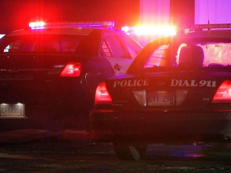 sioux falls police in the dark, response to crime, generic police with flashing lights