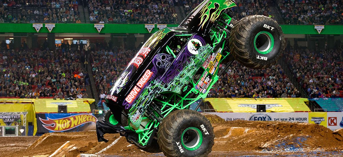 Grave Digger\' Driver Hurt In Crash At Monster Truck Rally