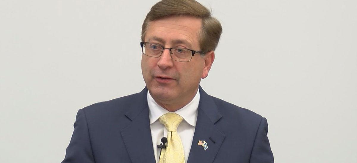 Mayor Mike Huether