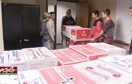 Washington Students Buy Thanksgiving Meals For Families