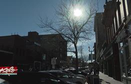 Holiday Season Kicks Off With Warm Weather
