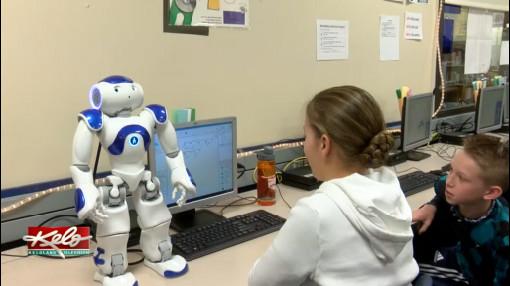 Eye On KELOLAND: Robo-Teacher
