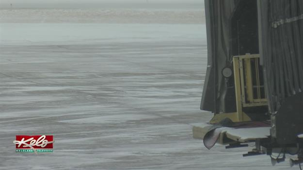 Snow Delays Travel Plans For Passengers At Sioux Falls Regional Airport
